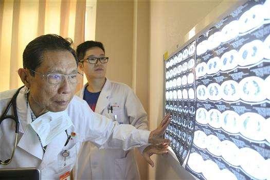 钟南山团队与腾讯AI对新冠患者病情预测,登上Nature子刊